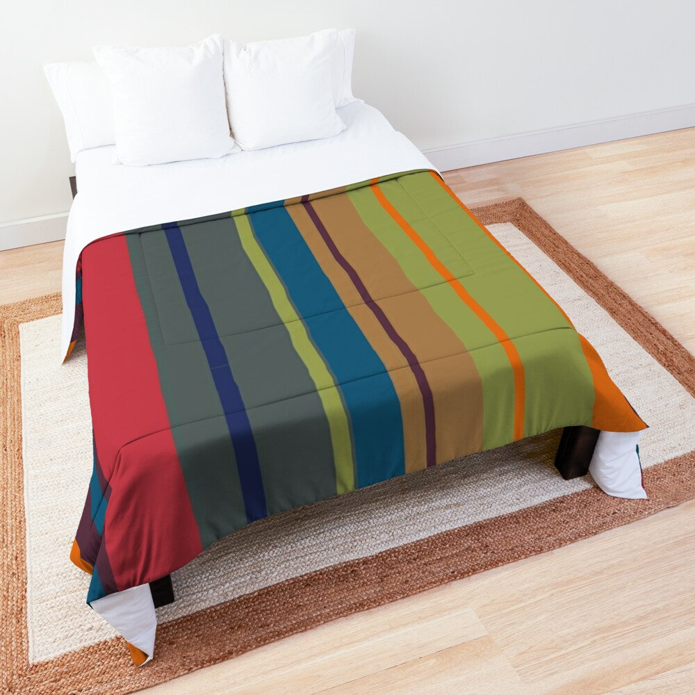 Playful lines Comforter