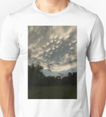 Summer Storm Aftermath - Extraordinary Mammatus Clouds T-Shirt