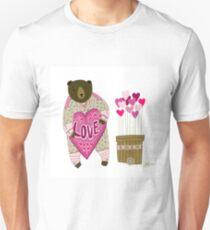 Bear with loveheart Unisex T-Shirt