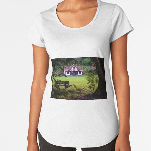 Craig-y-Nos Country park pavilion Premium Scoop T-Shirt