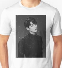 Paper Hearts - Jungkook T-Shirt
