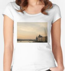 Sun sets over Budapest Women's Fitted Scoop T-Shirt