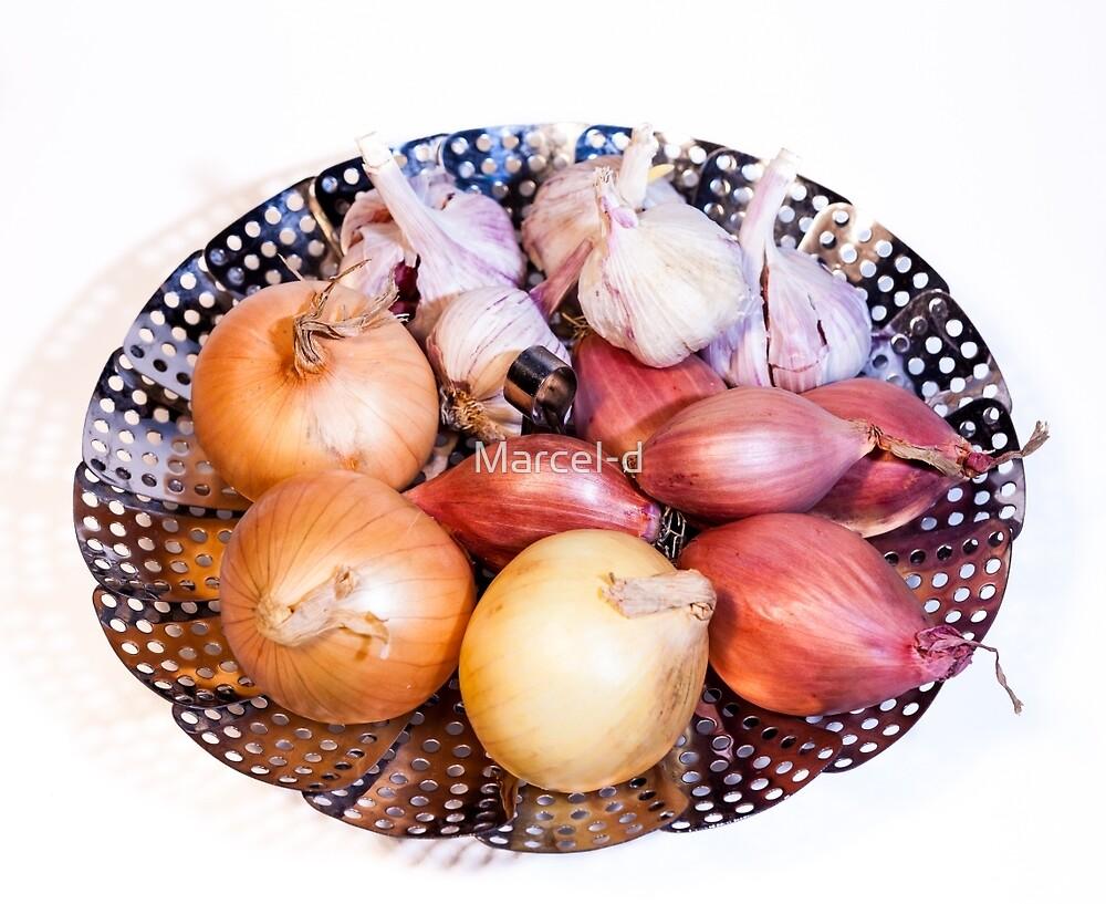 onion, shallot, garlic by Marcel Derweduwen