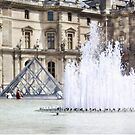 Louvre fountain by Vickie Simons