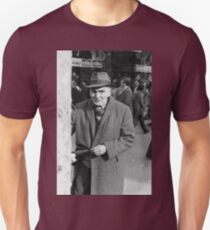 Collector, On the Way to M.Cartier Bresson Paris 1975 14 (b&n)(h) by Olao-Olavia par Okaio Création Unisex T-Shirt