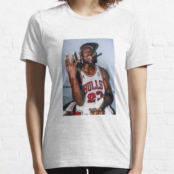 "Michael Jordan ""Three Peat"" Essential T-Shirt"
