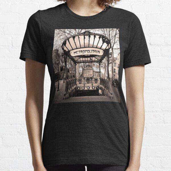 Paris Metro Underground Train Station Metropolitain Sign Essential T-Shirt
