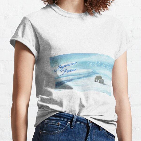 Bear on snow Classic T-Shirt