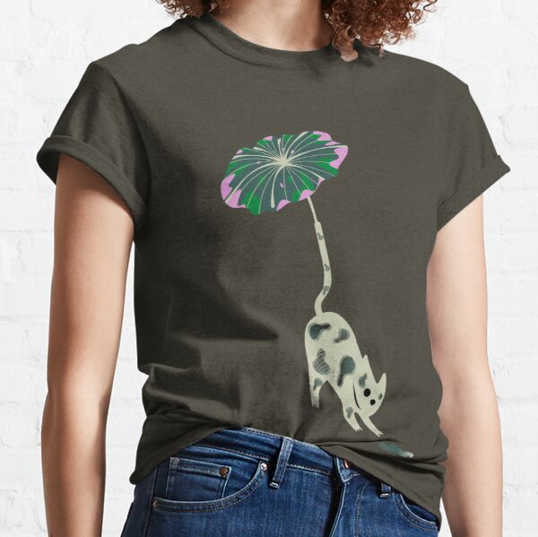 The cat who suddenly started to fly Classic T-Shirt