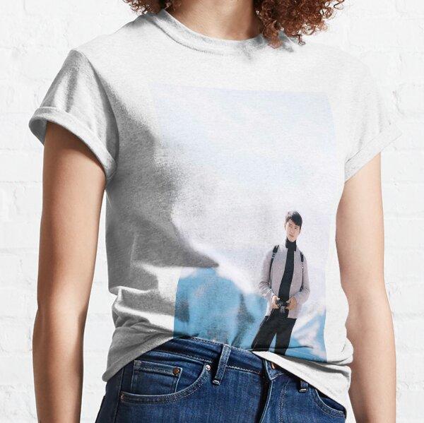 Wallpaper Hyunn Binn Classic T-Shirt
