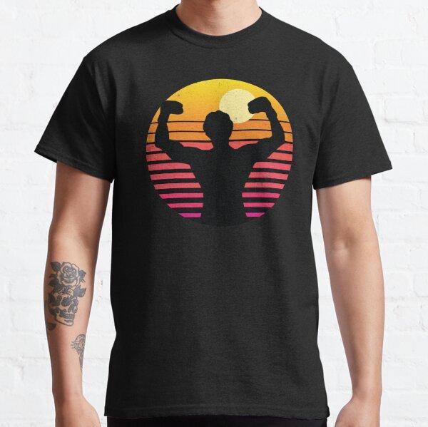 Rocky Balboa sur un coucher de soleil rétro vintage. Fans de Rocky Balboa T-shirt classique