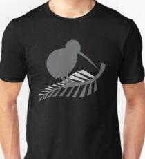 Kiwi-Vogel und ein Silberfarn Neuseeland Slim Fit T-Shirt