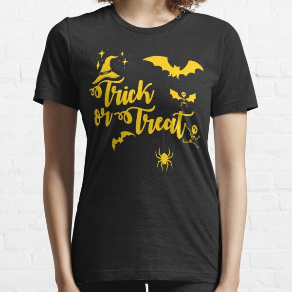 One last house Trick or Treat Essential T-Shirt