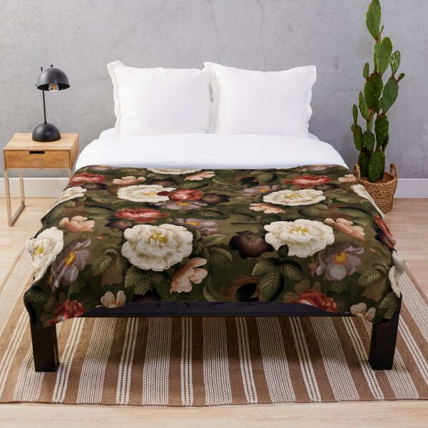 Green Antique Natural Autumn Night Roses Pattern Throw Blanket