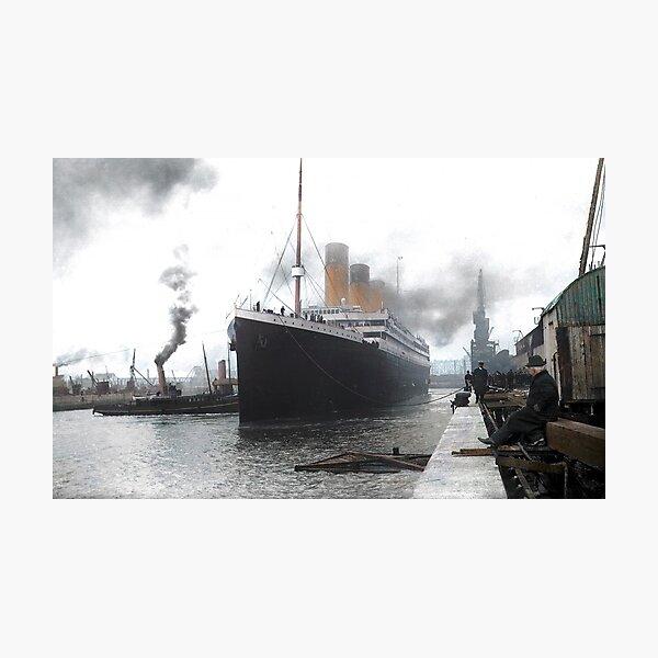 Titanic prepares to leave port, 1912 Photographic Print