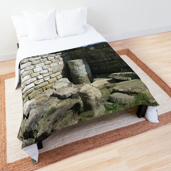 Merch #104 -- Two-Tone Walls (Hadrian's Wall) Comforter