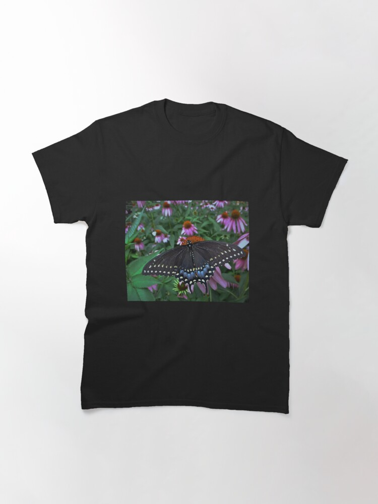 Alternate view of Black Swallowtail Butterfly  before flying in search of sun By Yannis Lobaina Classic T-Shirt
