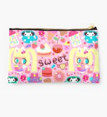 Cute pattern with sweets and kawaii little girl Studio Pouch