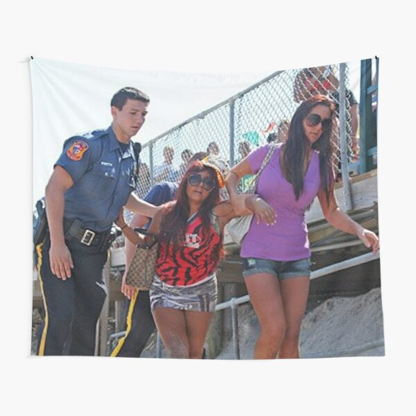 Snooki getting arrested on the beach Tapestry