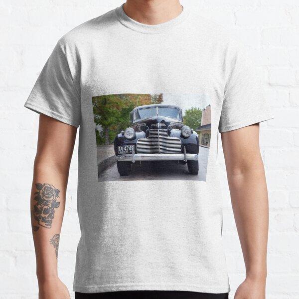 1940 Chevrolet Special Deluxe Two Door Town Sedan Front View Classic T-Shirt