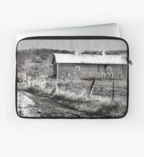Barn along a Country Road Laptop Sleeve