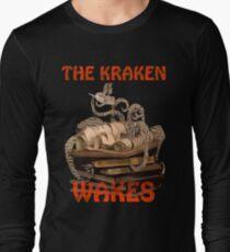 The Kraken Wakes steampunk book art Long Sleeve T-Shirt