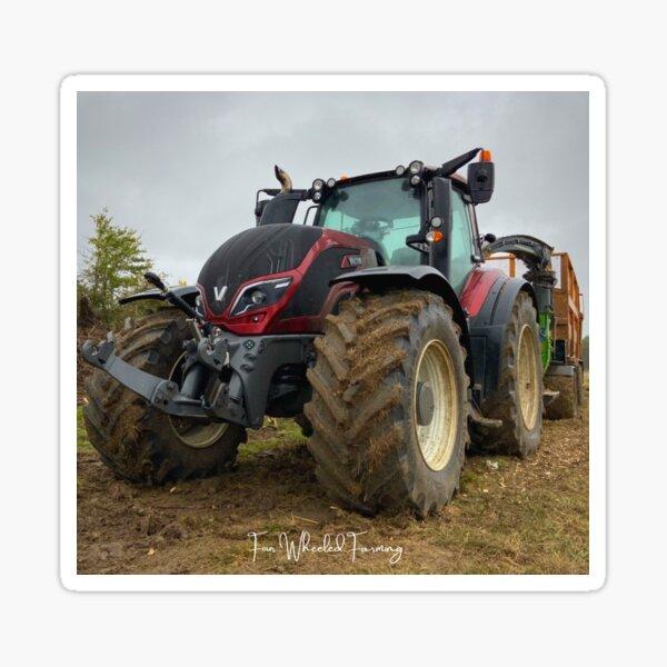 Valtra Traktor von Four Wheeled Farming Sticker