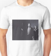 Original Charcoal Drawing of Dana Scully and Fox Mulder from X Files T-Shirt