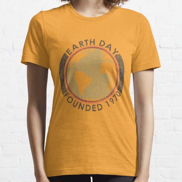 Earth Day: Old School Essential T-Shirt