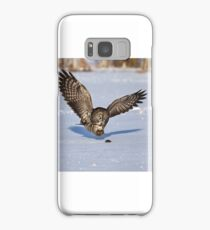 Great Grey owl catches a mouse Samsung Galaxy Case/Skin