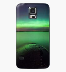 Northern lights glow over lake Case/Skin for Samsung Galaxy