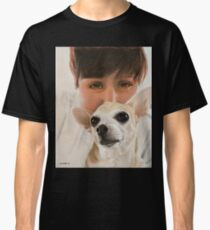 Max the adorable Chihuahua Classic T-Shirt