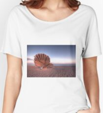 Scallop Sculpture Women's Relaxed Fit T-Shirt