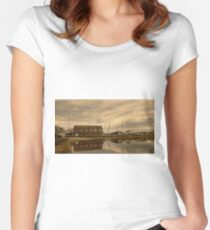 Tollesbury Harbour Boat Shed Women's Fitted Scoop T-Shirt