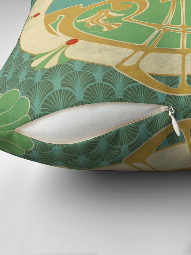 Coussin ''Parure Poisson bleu - Illustration Art Nouveau': autre vue