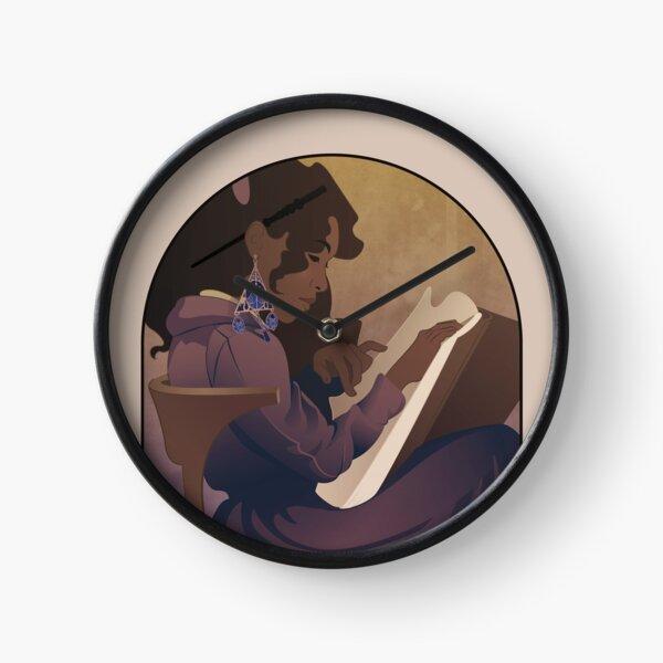 Sorcière lisant - Collection Magie Horloge