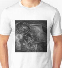 Old World Travel bw Unisex T-Shirt