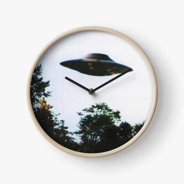 I WANT TO BELIEVE  Clock