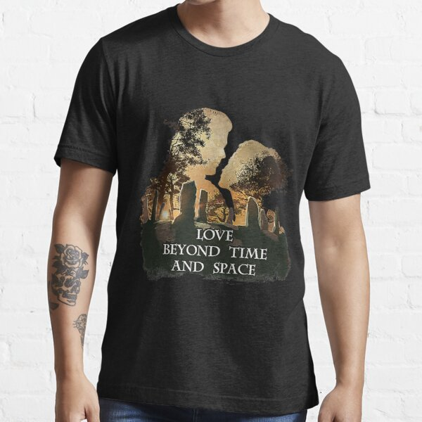 Jamie and Claire - Outlander T-Shirt Essential T-Shirt