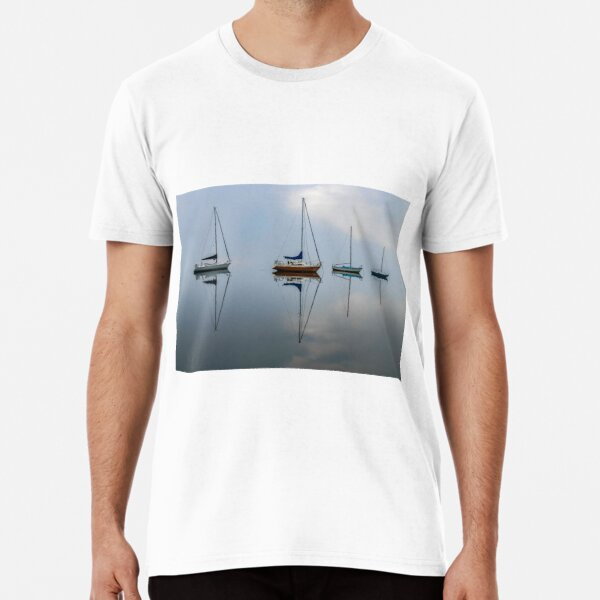 Clouds, boats and reflections on a misty morning Premium T-Shirt