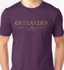 Outlander est 1743 (GOLD) Unisex T-Shirt