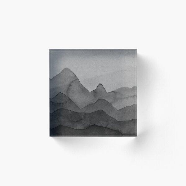 Berge in Grau, Schwarz, Weiss Acrylblock