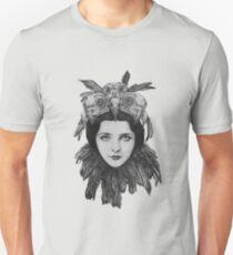 Dame Bird Skull T-Shirt