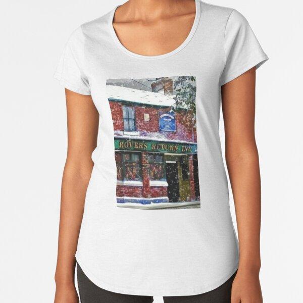 FESTIVE ROVERS RETURN FROM CORONATION STREET Premium Scoop T-Shirt