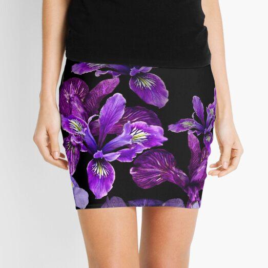 Iris - Hermosos púrpuras sobre diseño negro. Minifalda
