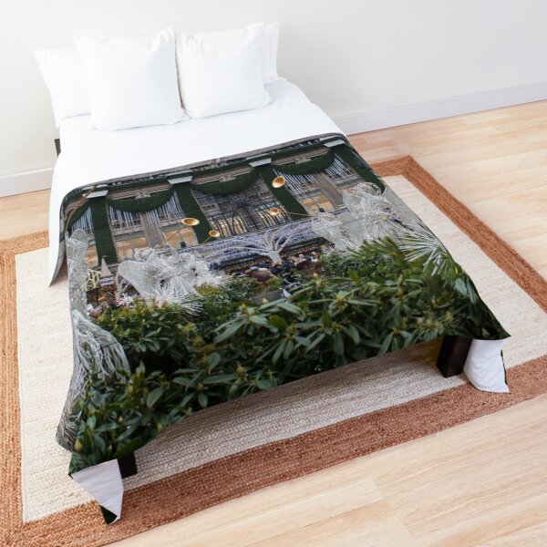 Christmastime in the City Comforter
