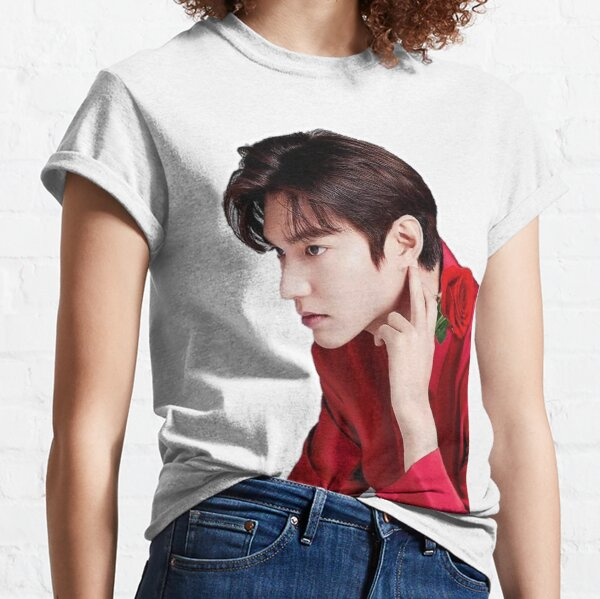 Lee in red Classic T-Shirt