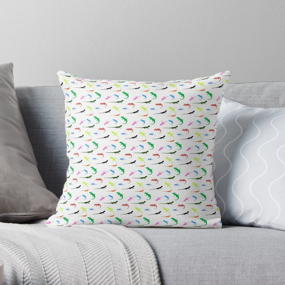 Repeating colorful lizards Throw Pillow