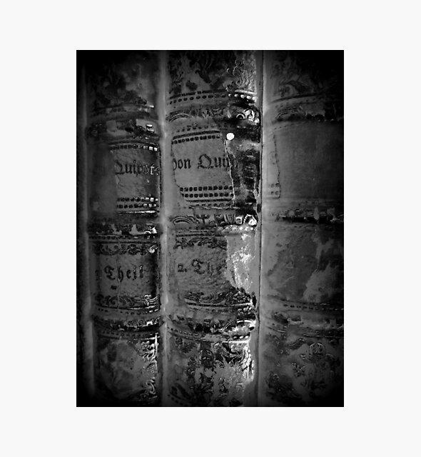 old Books black white - alte Bücher schwarz weiß von Marion Waschk