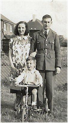 1940 Me, my mum & dad by Woodie